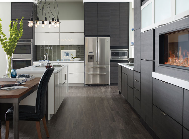 Modern-Kitchen-Cabinets-&-Design